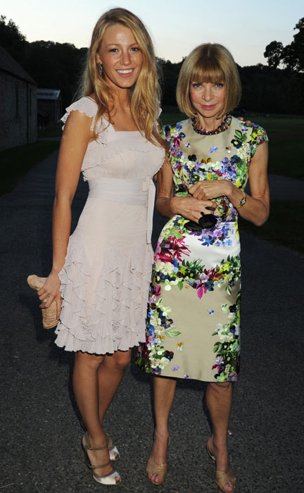 Blake Lively and Anna Wintour attend the Valentino Garavani Archives Dinner Party on July 7, 2010 in Versailles, France. (Getty Images)